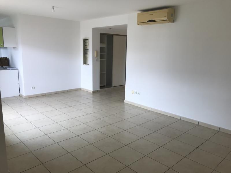 Rental apartment St gilles les bains 700€ CC - Picture 1