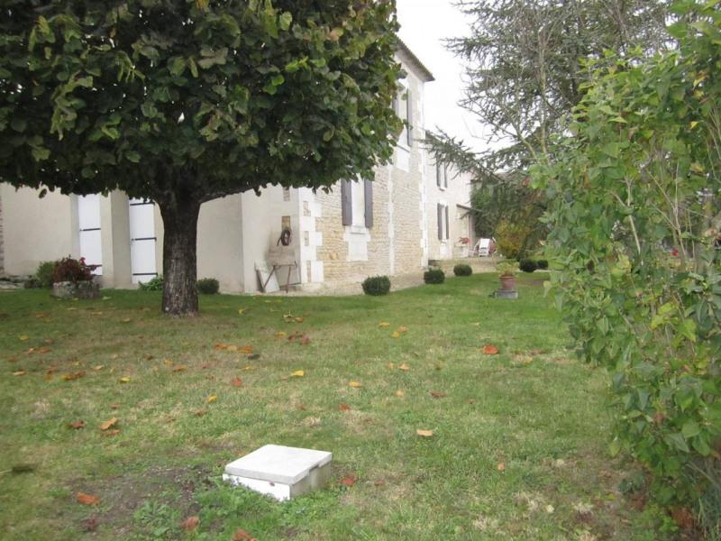 Sale house / villa Barbezieux-saint-hilaire 416000€ - Picture 5
