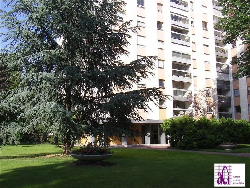 Sale apartment L hay les roses 299000€ - Picture 1