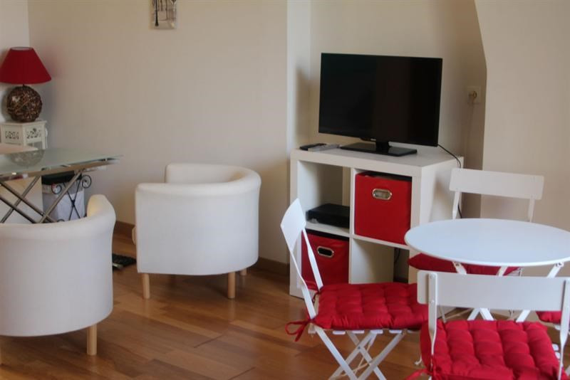 Rental apartment Fontainebleau 1 140€ CC - Picture 9
