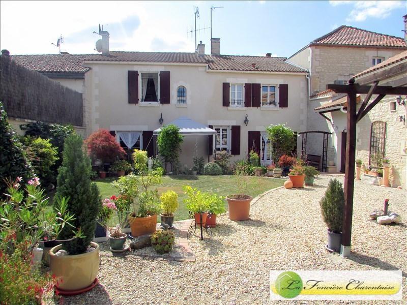 Vente maison / villa Aigre 245000€ - Photo 1