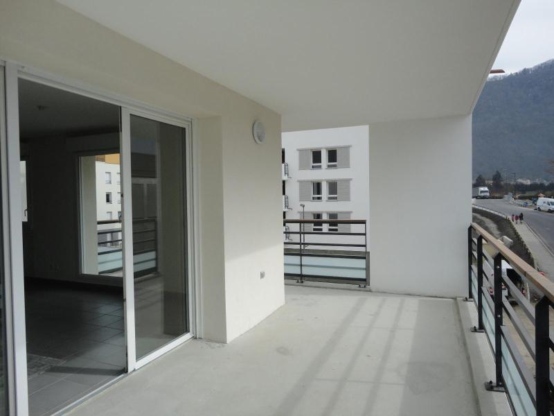 Location appartement Domene 855€ CC - Photo 1