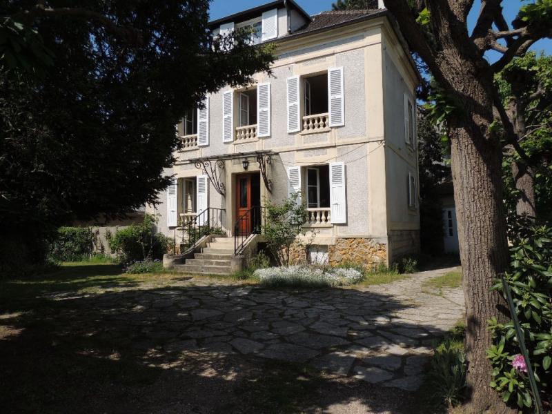 Deluxe sale house / villa Le vesinet 1095000€ - Picture 1