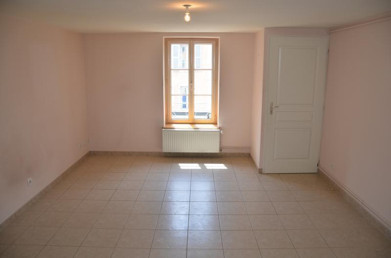 Location appartement Nantua 410€ CC - Photo 1