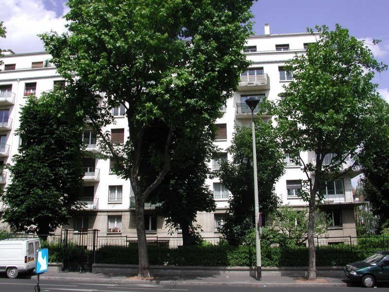 Rental apartment Courbevoie 1142€ CC - Picture 1