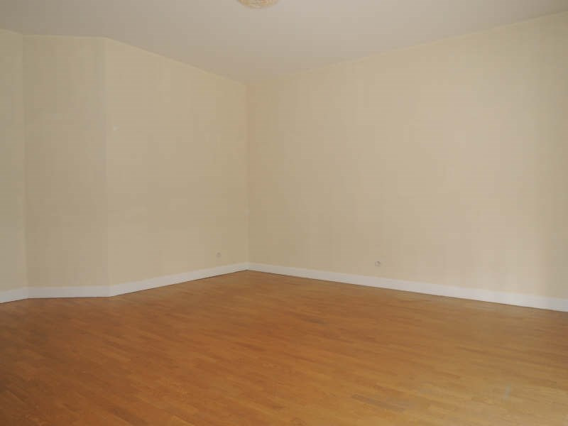 Location appartement Poissy 863€ CC - Photo 3