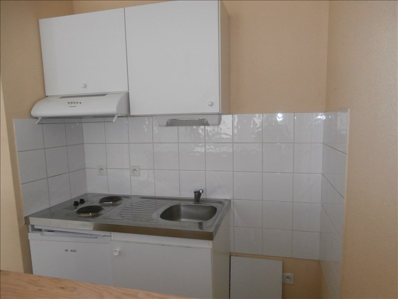 Location appartement Mazamet 370€ CC - Photo 3