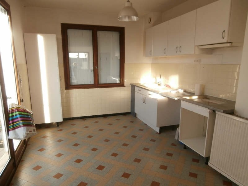 Rental house / villa Pierrevert 1 250€ CC - Picture 2