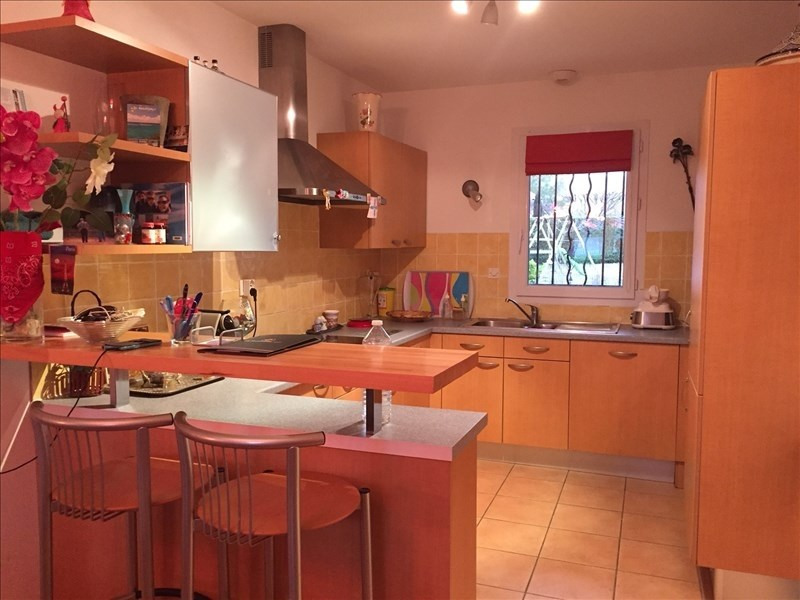 Sale house / villa Pierrevert 275 600€ - Picture 3