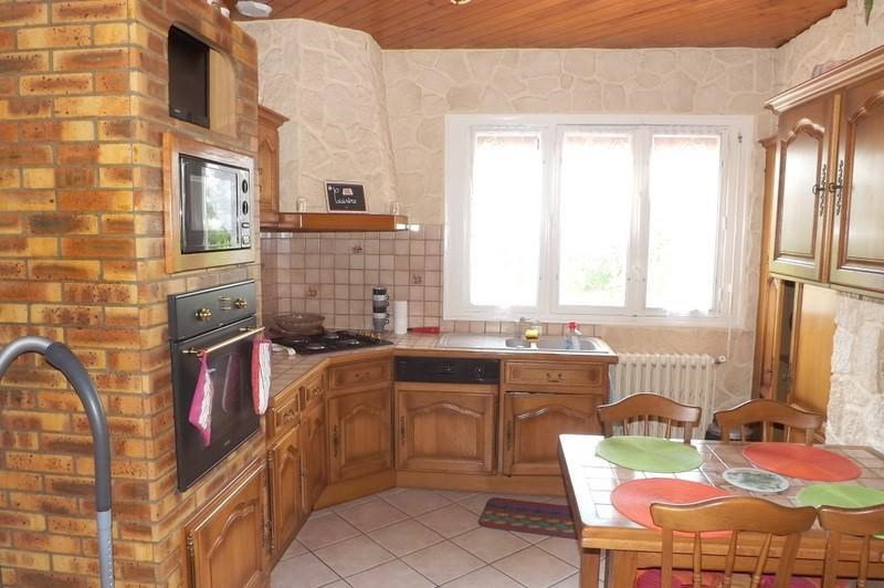 Sale house / villa La roche chalais 196000€ - Picture 3