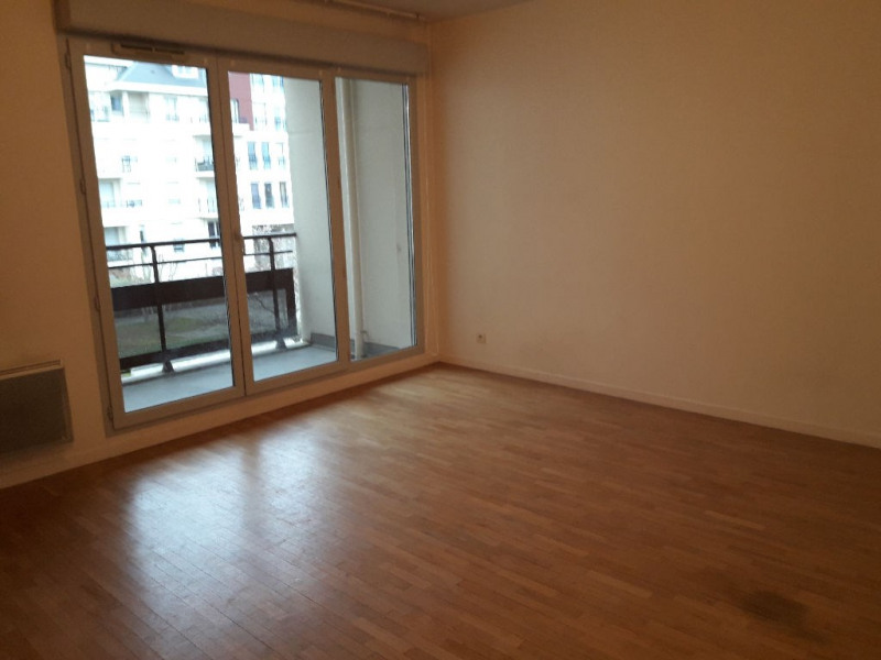 Location appartement Carrieres sous poissy 825€ CC - Photo 2