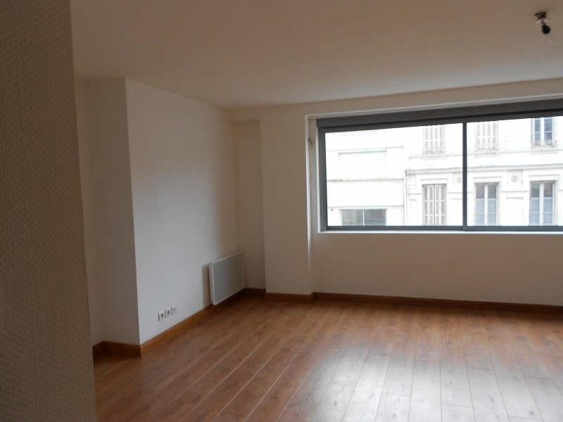 Location appartement Niort 342€ CC - Photo 1