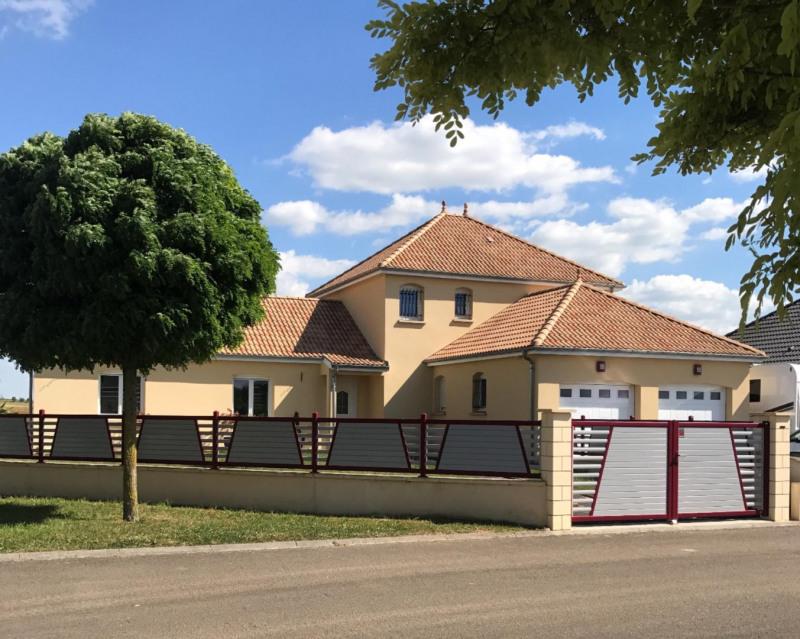 Sale house / villa Châlons-en-champagne 239900€ - Picture 1