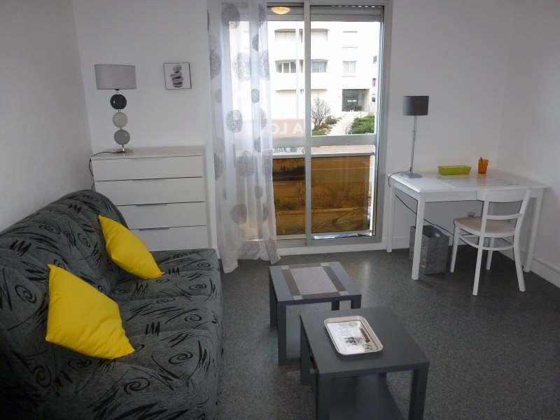 Location appartement Chatellerault 360€ CC - Photo 1