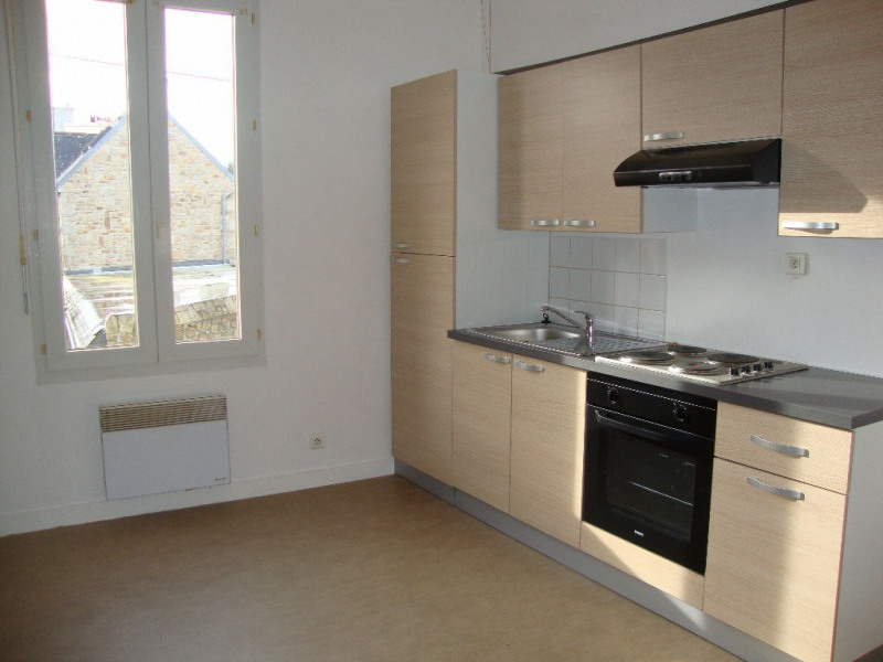 Location appartement Pont l abbe 355€ CC - Photo 1