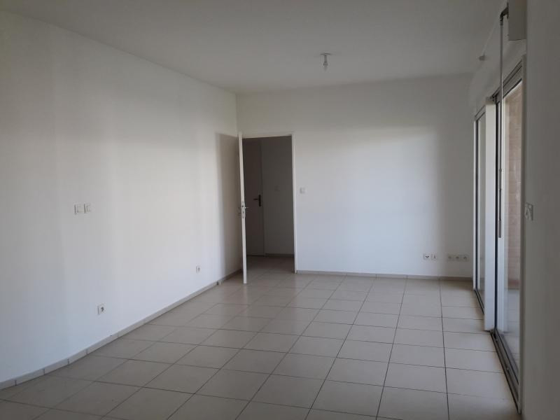 Sale apartment St paul 156 811€ - Picture 2
