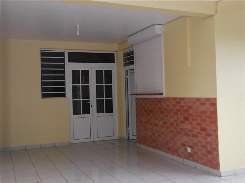 Rental apartment Lamentin 780€ CC - Picture 5