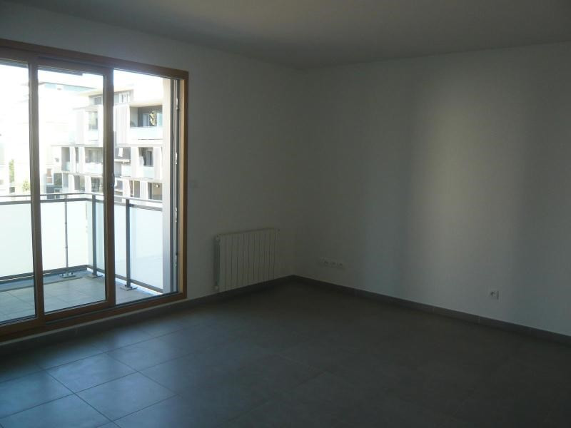 Rental apartment Lyon 4ème 702€ CC - Picture 3