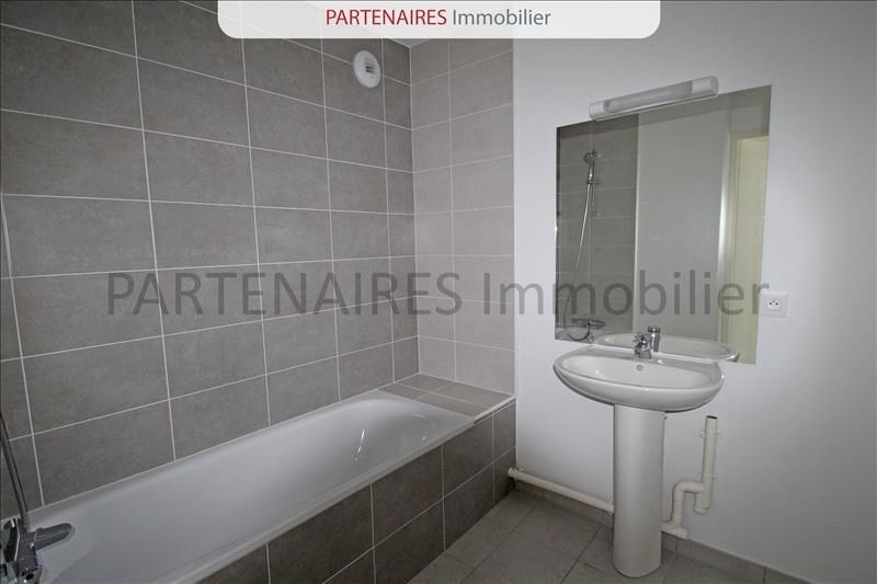 Rental apartment Rocquencourt 1 208€ CC - Picture 7