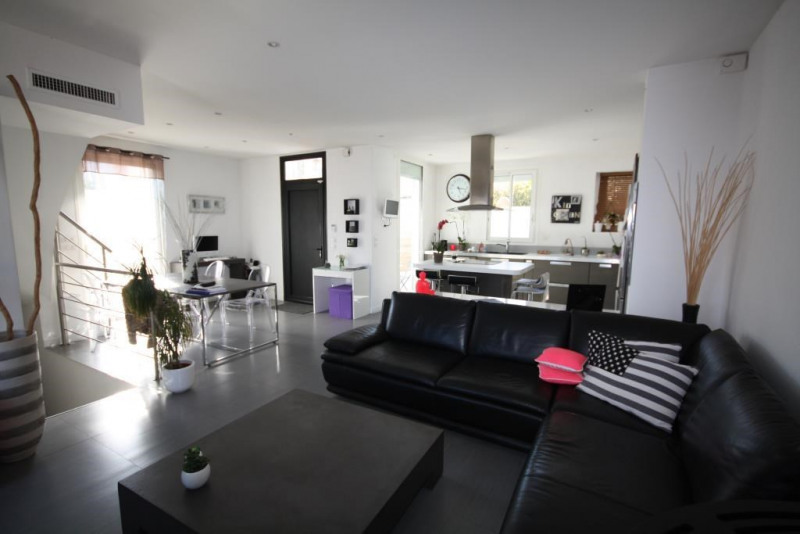 Vente maison / villa Antibes 690000€ - Photo 3