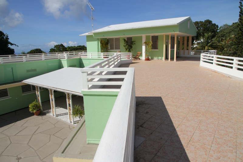 Deluxe sale house / villa St claude 698300€ - Picture 2
