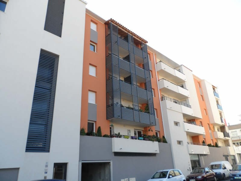 Location appartement Sete 594€ CC - Photo 1