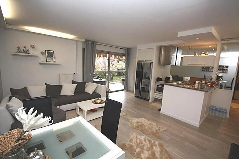 Sale apartment Juan-les-pins 296000€ - Picture 2