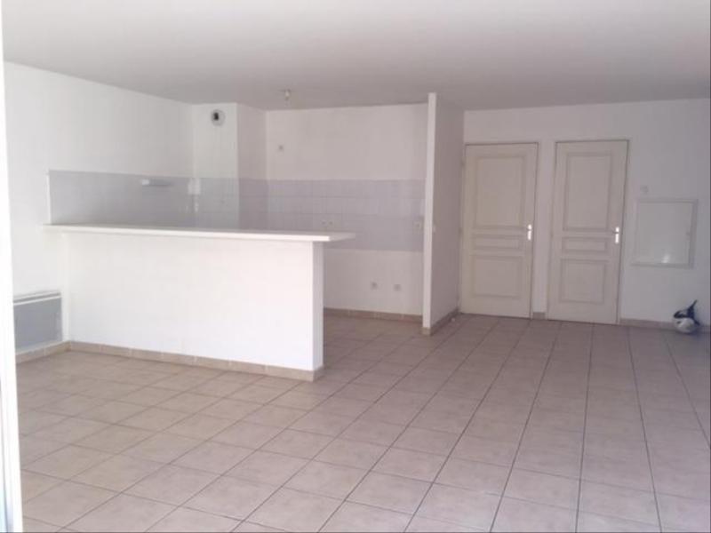 Location appartement Marseille 8ème 878€ CC - Photo 5