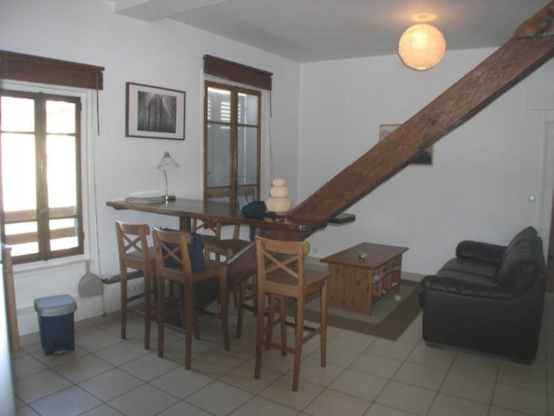 Location appartement Annecy 885€ CC - Photo 2