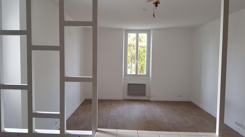 Rental apartment Montigny-sur-loing 465€ CC - Picture 3