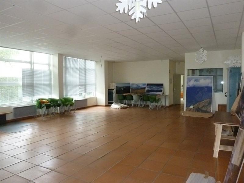 Sale building Toussus le noble 1050000€ - Picture 3