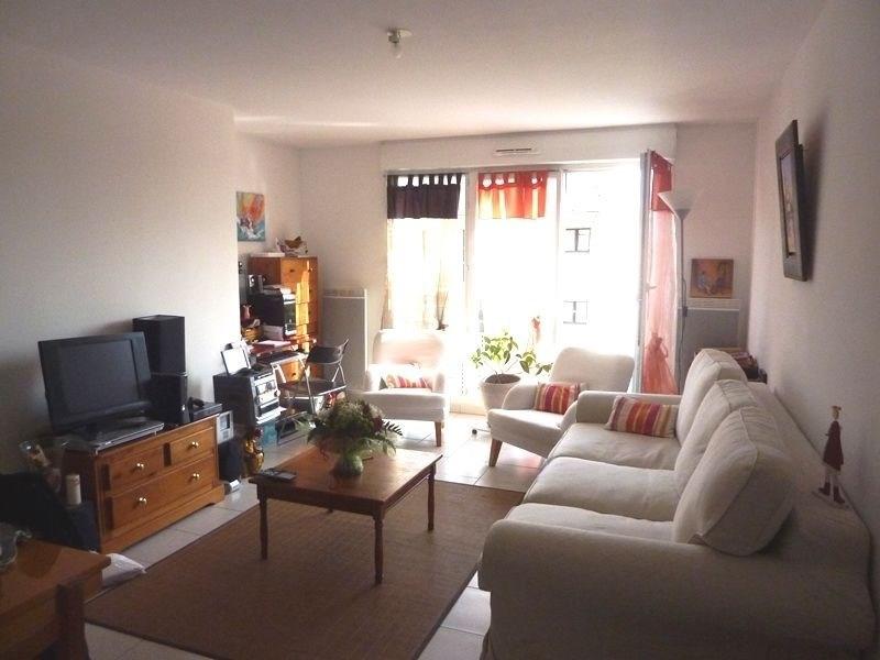 Rental apartment Combs la ville 720€ CC - Picture 1