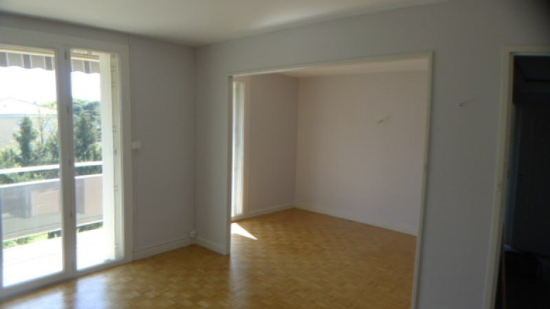 Verhuren  appartement Oullins 711€ CC - Foto 2