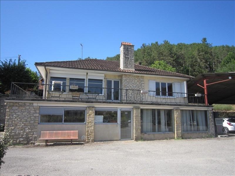 Sale house / villa Castels 210000€ - Picture 1