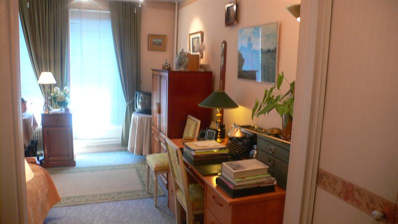 Sale apartment Lille 93 000€ - Picture 3
