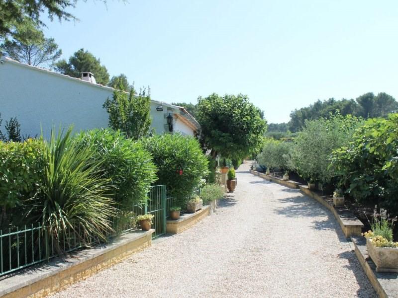 Deluxe sale house / villa Barbentane 798 000€ - Picture 2