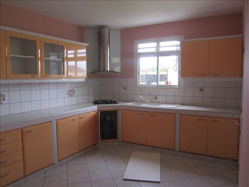 Location appartement Ste rose 847€ CC - Photo 3