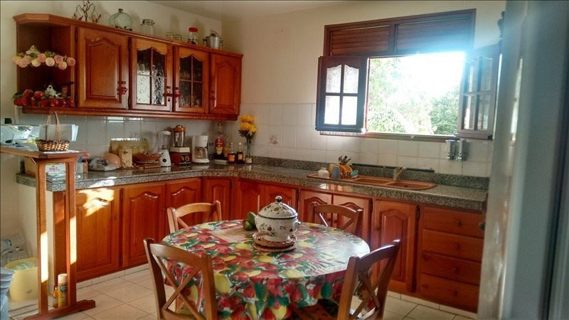 Sale house / villa St claude 337 600€ - Picture 7