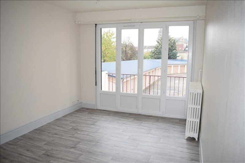 Rental apartment Moulins 390€ CC - Picture 1