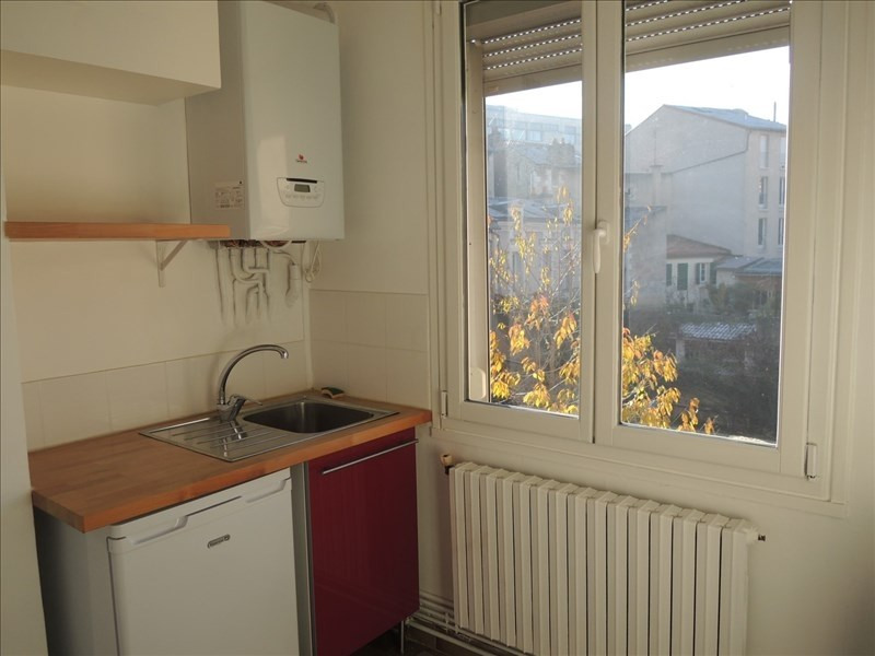 Location appartement Poitiers 540€ CC - Photo 3