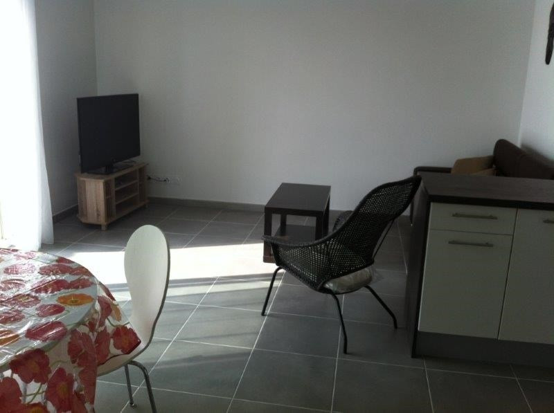 Rental apartment Frejus 950€ CC - Picture 3