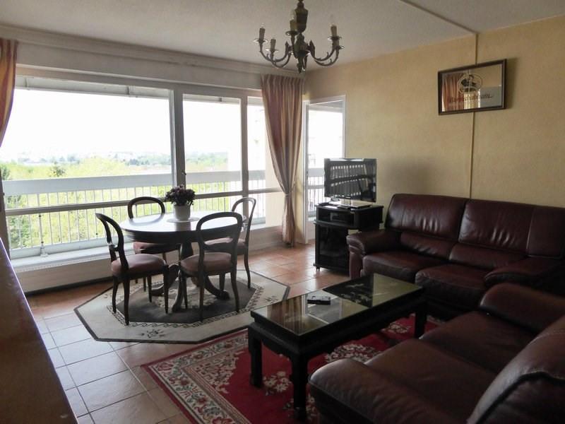 Rental apartment Elancourt 1125€ CC - Picture 1