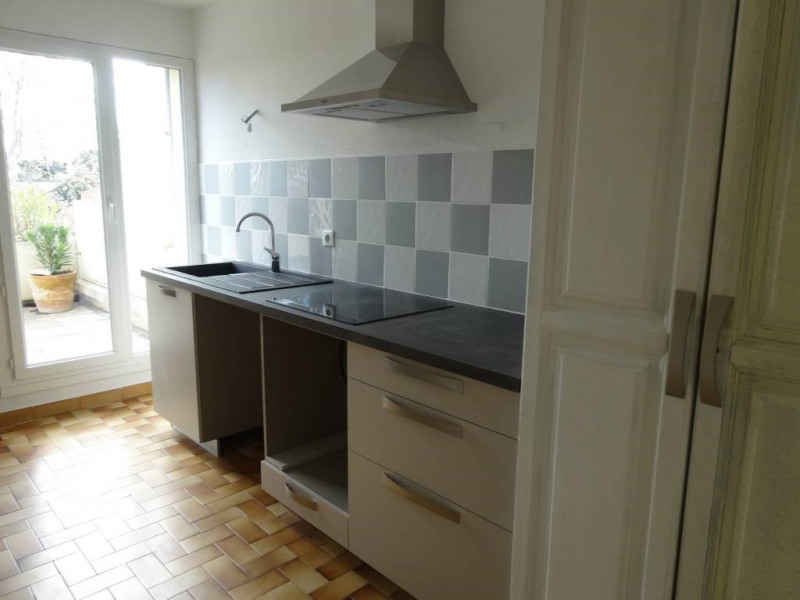 Alquiler  apartamento Villeneuve-les-avignon 1086€ CC - Fotografía 3