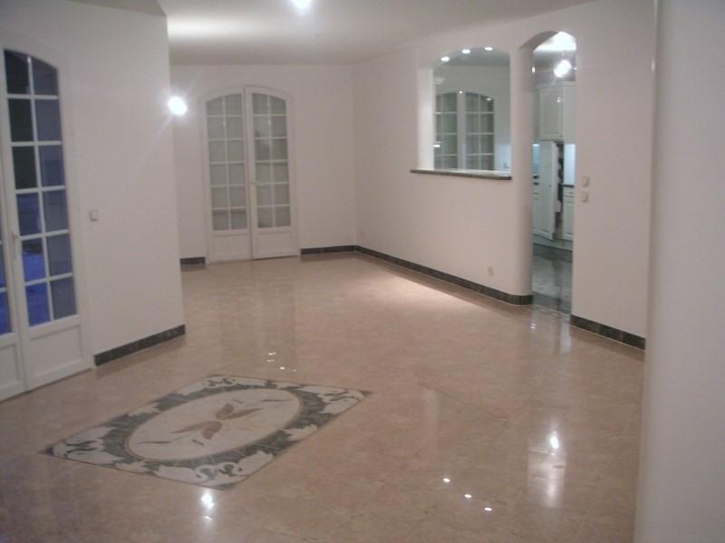 Location maison / villa Orgeval 3790€ CC - Photo 2