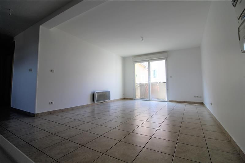 Location appartement Izeaux 650€ CC - Photo 1