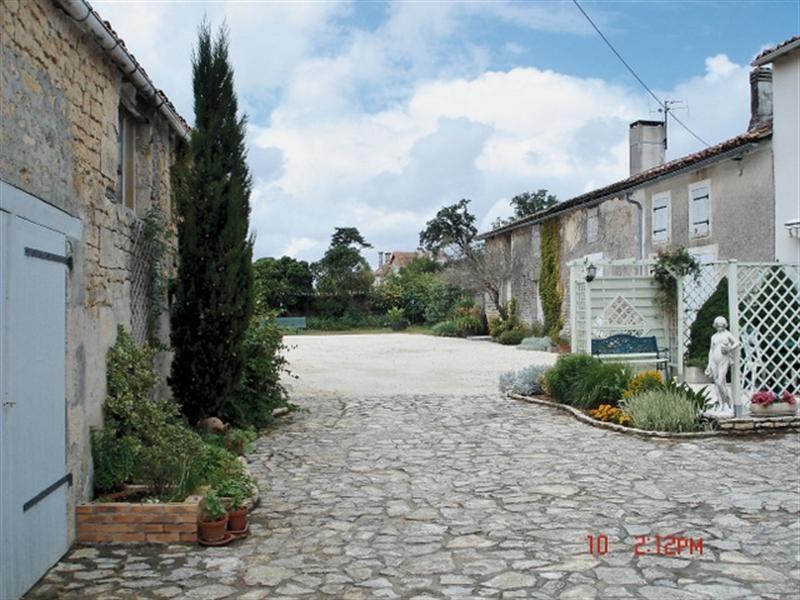 Sale house / villa Aulnay 198500€ - Picture 2