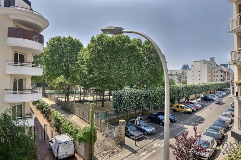 Sale apartment Courbevoie 450000€ - Picture 2