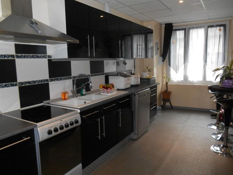 Sale house / villa Breteuil 142000€ - Picture 1