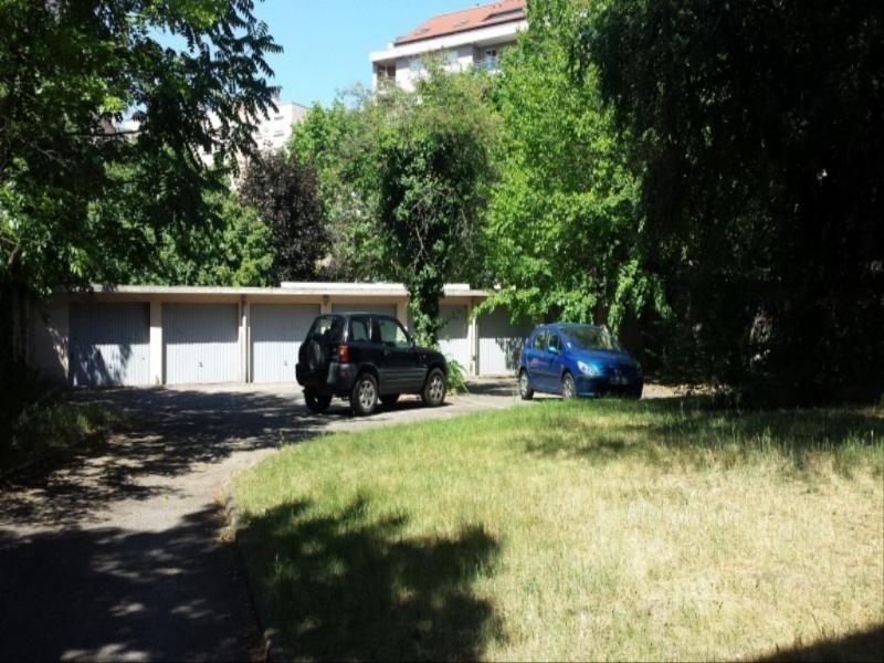 Location parking Lyon 3ème 62€ +CH - Photo 1