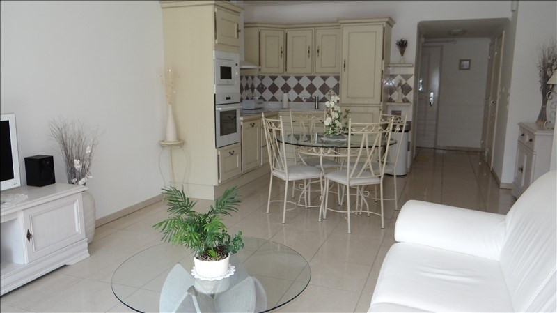 Sale apartment Cavalaire 298 000€ - Picture 2
